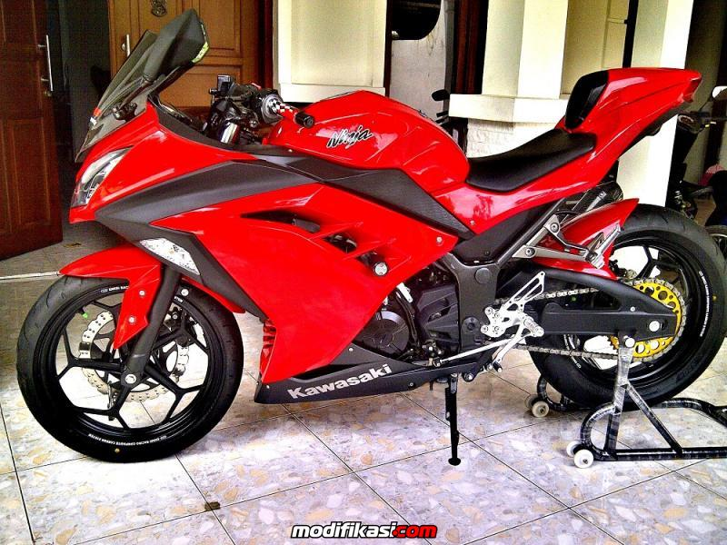 Top modifikasi motor ninja 250 warna merah