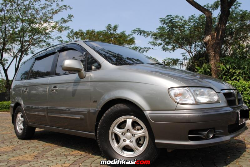 Dijual Mobil Hyundai Trajet 20 XG AT 2009