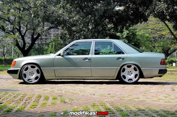 MERCEDES-BENZ W124 230E 1991