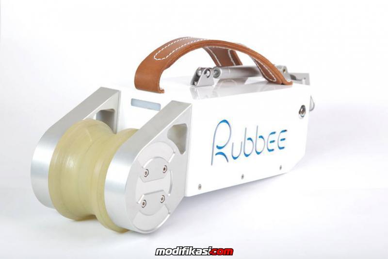 Rubbe Motor Portable Yang Mengubah Sepeda Menjadi Sepeda Listrik