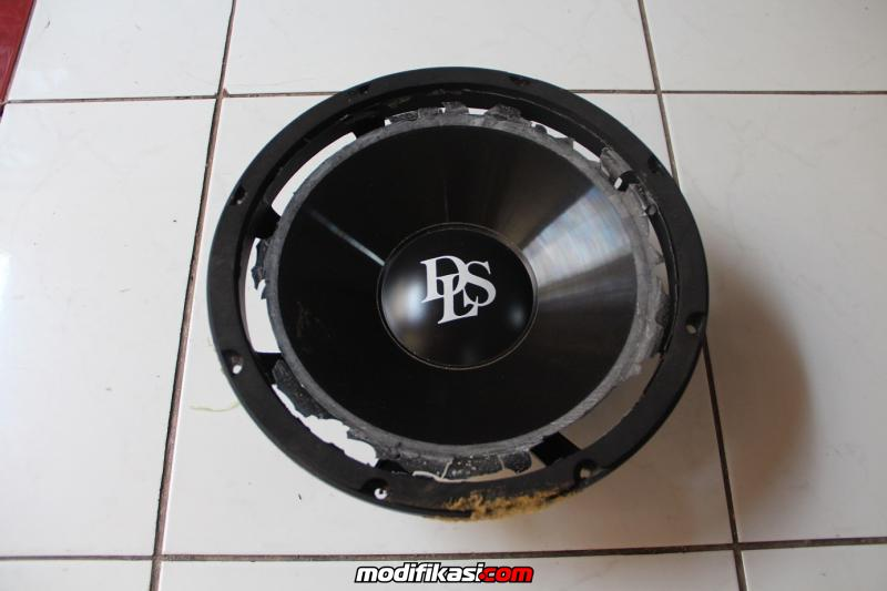 Bekas Subwoofer DLS W612 Original