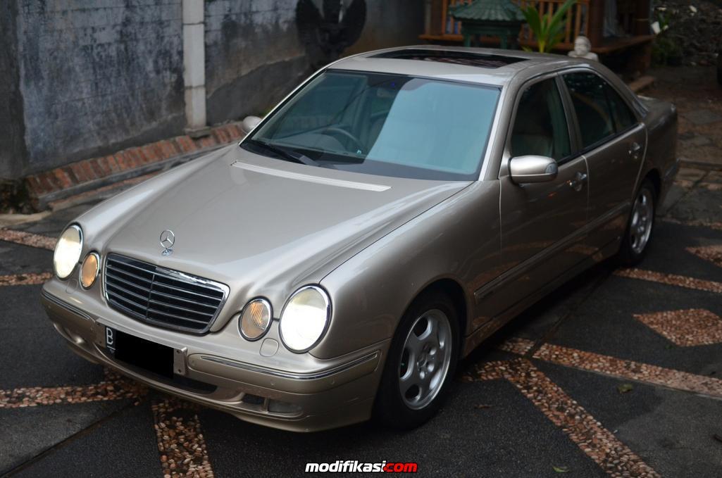 Bekas E240 W210 Avantgarde 00 Sunroof Cbu Travertine