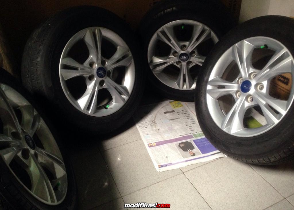 Bekas Jual Velg 16 Inch OEM Ford Focus 16l Trend 2013