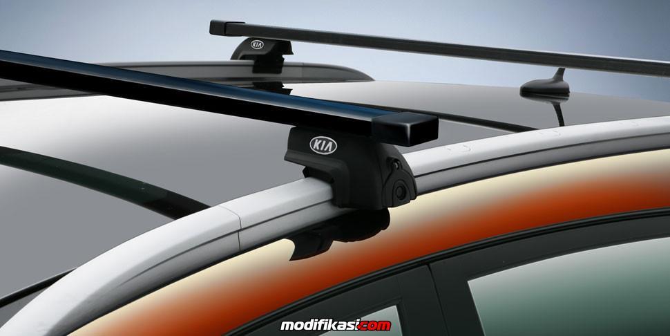 Roof Garnish Kelebihan Yang Ada Di Honda Mobilio Type Rs