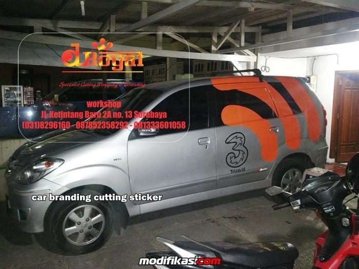 bekas car wrapping dan cutting sticker mobil di surabaya