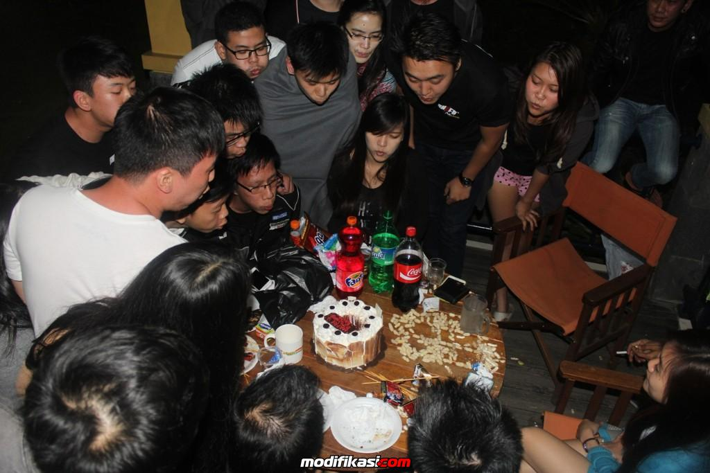 Hasil gambar untuk perayaan ulang tahun