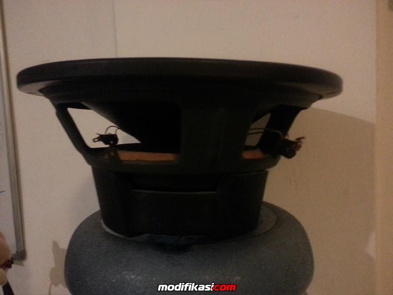 Bekas WTS 2 Unit Speaker SubWoofer CUBIG LA 10 Mulus