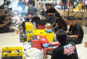 Race Tamiya Mega Toys Expo, Kedatangan Team Dari Brunei Darusalam
