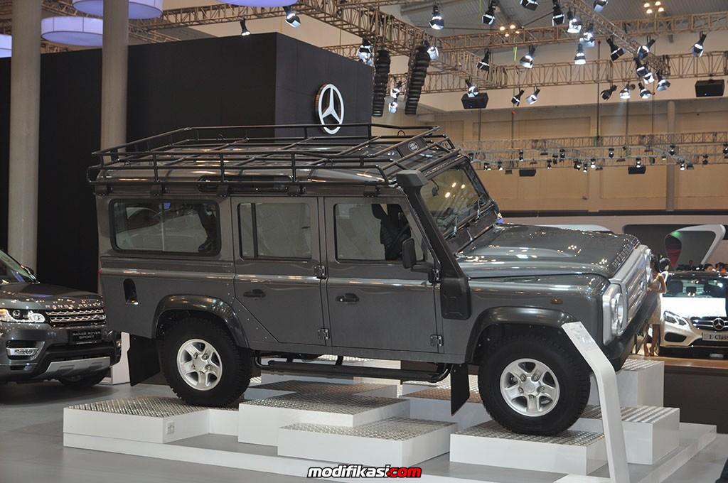 new land rover discovery sport resmi hadir di giias 2015. Black Bedroom Furniture Sets. Home Design Ideas