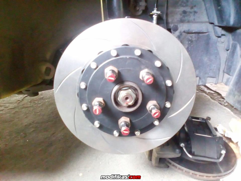 SUZUKI SWIFT INSTALL AP RACING CP 7600 WITH 295MM DISCBRAKE
