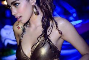 Basah-Basahan Party Dan Kontesnya Model Hot Jakarta