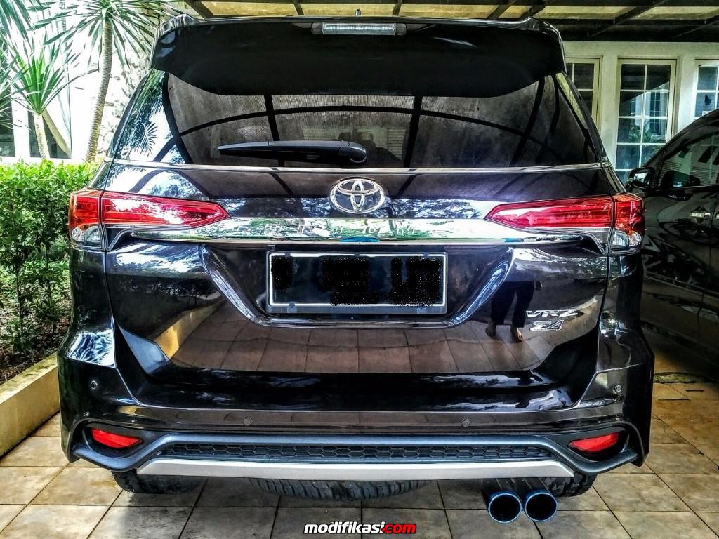 Modifikasi Interior Mobil Fortuner