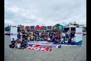 Ratusan Pemilik Mobil Yaris Ramaikan Jambore Yaris Di Surabaya