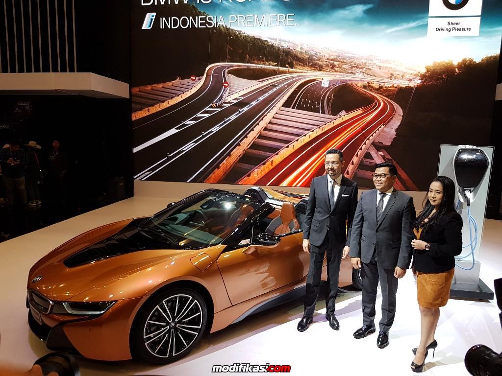 Bmw I8 Roadster Meluncur Di Giias Dengan Harga Rp 3 9 Miliar
