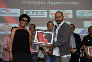 Konsisten Dukung Balap Tanah Air,Honda Dapat Penghargaan Dari Issom