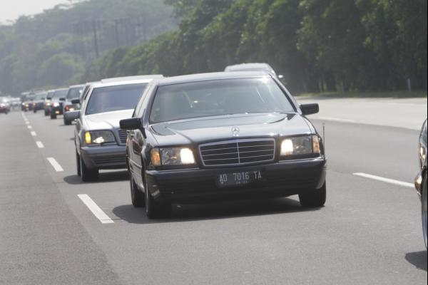 Presidential Motorcade Friendship Touring Ala Pecinta Mercedes-Benz
