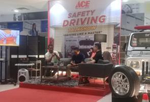 Ace Hardware Gelar Safety Driving Bersama Komunitas