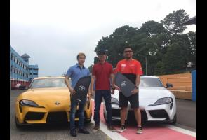 Pebulu Tangkis Indonesia Menjadi Pemilik Pertama Toyota Gr Supra