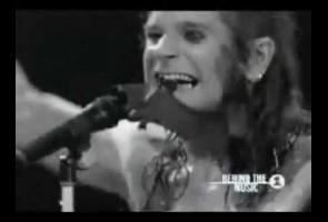 Di Atas Panggung, Ozzy Osbourne Pernah Makan Kelelawar Hidup-Hidup