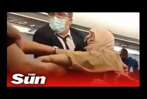 Rebutan Ruang Loker Kabin Pesawat, Penumpang Di Tunisair Berkelahi