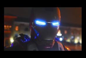 Video: Cosplayer Asal Inggris Ini Buat Kostum Iron Man
