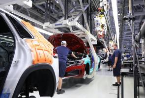 Vw Rayakan Produksi Mobil Ke 1 Juta Di Amerika