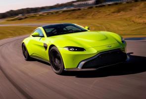 Dihantam Porsche 911, Penjualan Aston Martin Vantage Anjlok