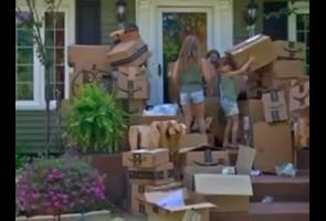 Wanita Ny Ini Dapat Ratusan Paket Misterius Yang Tidak Dipesannya