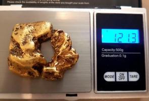 Pemburu Harta Karun Skotlandia Ini Temukan Bongkahan Emas Rp 1.4m