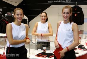 Senyum Ramah Para Wanita Di Ajang Frankfurt Show 2017