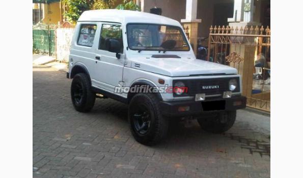Jual: Suzuki Jimny Katana Th 88 Warna Putih Mutiara