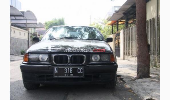 BMW 318i 1997 E36 Black Manual M/T,low Km,istimewa. Surabaya