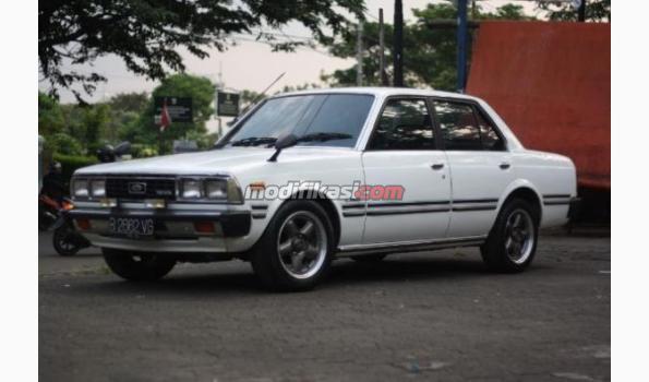Toyota Corona 81 Classic