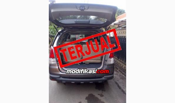 Jual: Toyota Innova G M/t 2010 Bensin Abu-abu
