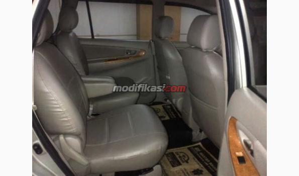 Jual: Toyota Kijang Innova V Luxury 2.0 A/t Silver 2011 - Modifikasi