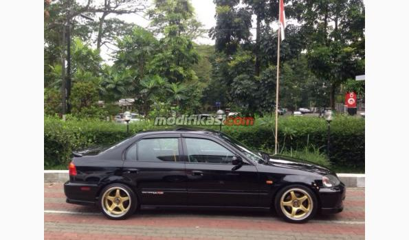 Modifikasi mobil sedan honda civic ferio
