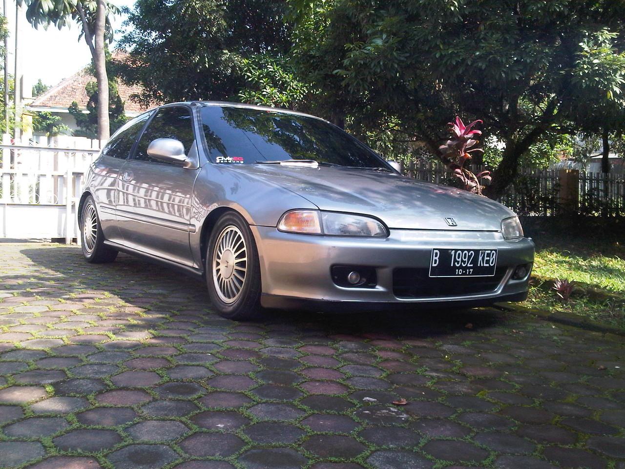 Honda Civic Estilo Tahun 1994 Silver Maknyus