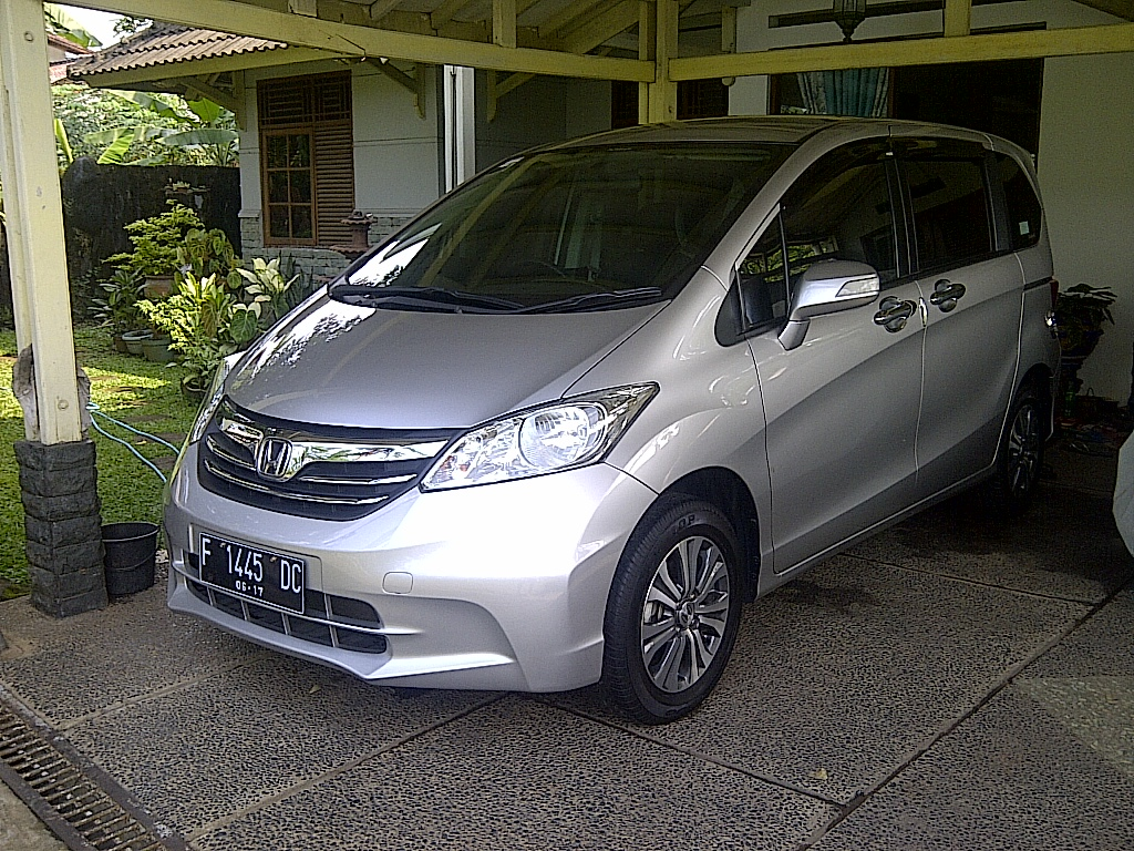wts: honda freed psd 2012 facelift tgn 1 good condition