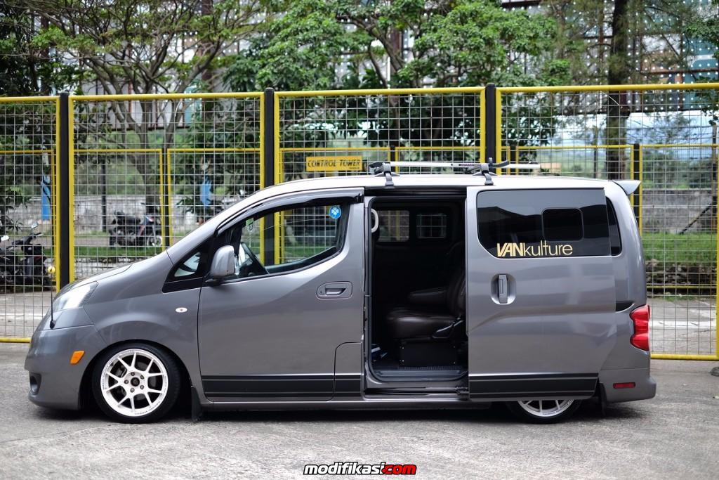 Modifikasi Mobil Nissan Evalia
