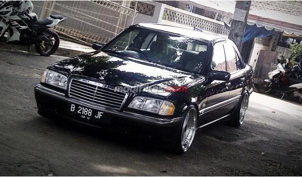 Mercedes benz c230 w202 tahun 1999 for Mercedes benz c230 1999