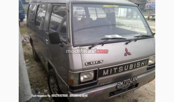 Minibus Mitsubishi L300 Solar Tahun 2000