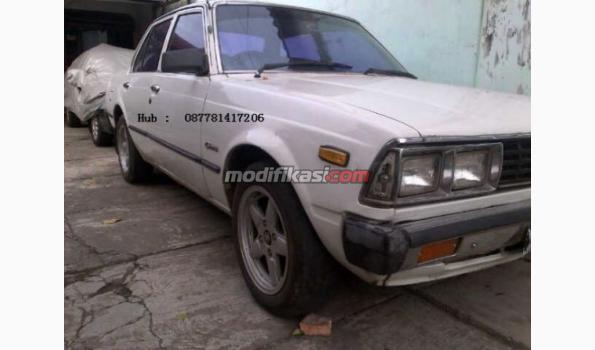 Toyota Corona 2000 Th 81 Putih