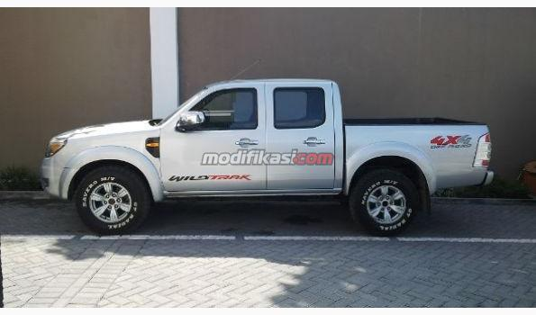 harga ford ranger bekas bali with 10505 on 62038 further Aksesoris Toyota Vios Limo besides 140122 as well 140530 as well Ford Everest 2012 Masuk Indonesia.