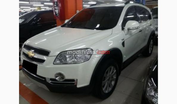 Chevrolet Captiva Diesel At 4x2 Putih 2010