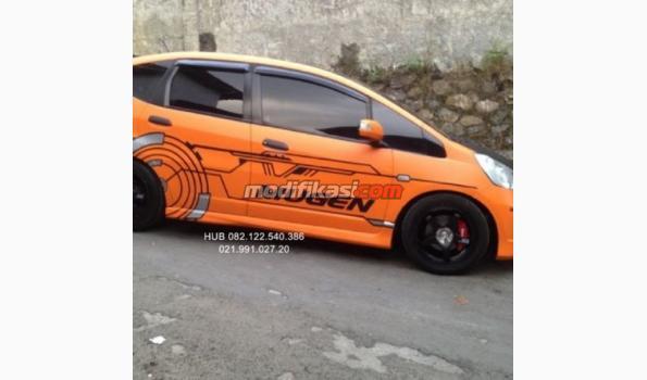 2010 Honda Jazz Rs AT Kondisi Bagus Stiker Mugen