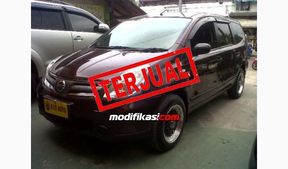 2012 Nissan Grand Livina 1.5 Sv AT Merah Metalik