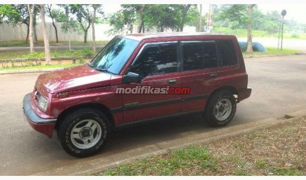1997 Suzuki Escudo Jlx Merah Apa Adanya