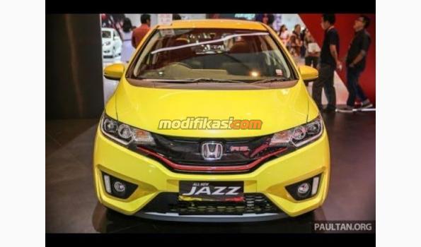 Jual  Dijual Honda Jazz 2004 Merah Matic Istimewa Modifikasi.com ... f49b91307e