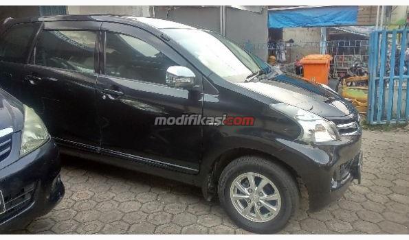 2012 Toyota New Avanza 1.3 G MT Hitam