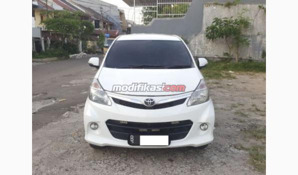 2012 Toyota Avanza Veloz 1.5 AT White/putih